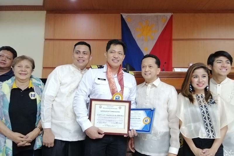 Filipino Ship Captain Manolo Ebora Honored for Bravery